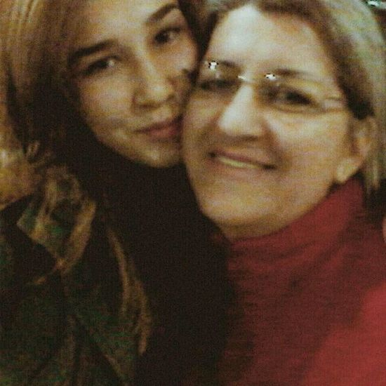 Con mi Mamita <3 Mama Relaxing Taking Photos Hi! That's Me Check This Out Enjoying Life Hanging Out Hello World Cheese!