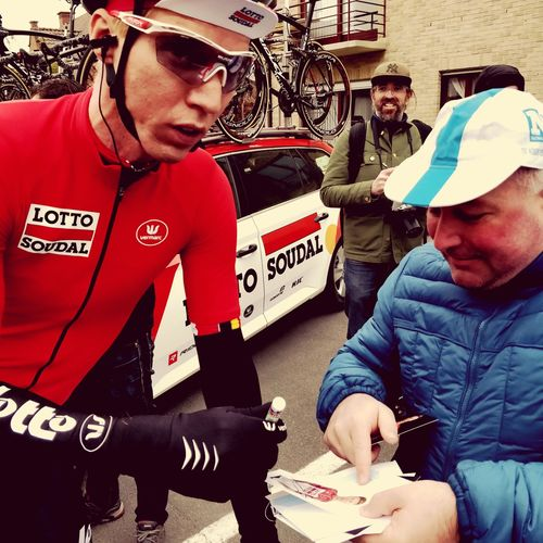 Cyclist signing