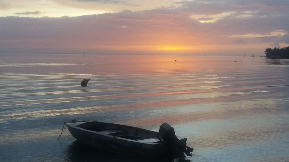Boat Horizon Over Water No People Scenics Sea And Sky Small Waves Sunset Tranquil Scene