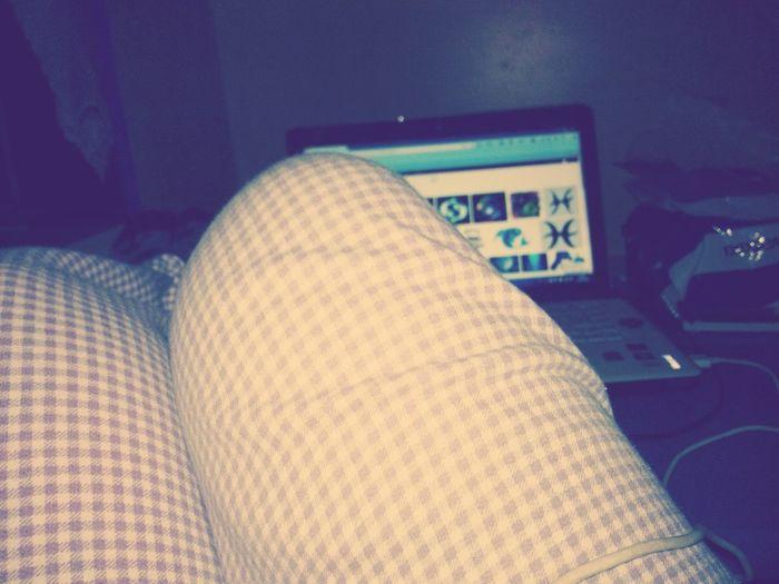 Evde tüm gece film izlerken :)