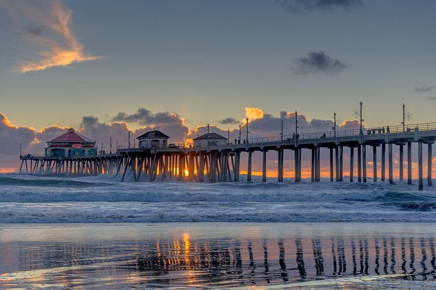 Surf's Up WestCoast California Huntingtonbeach Huntingtonbeachpier Waves