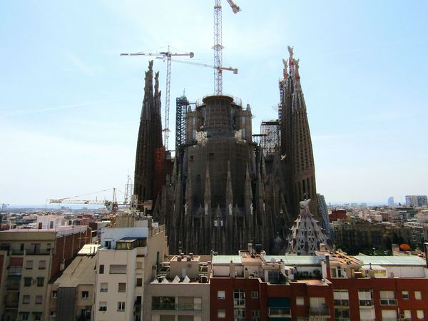 City City View  Hello World Hellocity House Buildingphotography Architecturephotography LookThis SPAIN Barcelona SagradadeFamilia Sagradafamiliabarcelona Sagradafamilia Fine Art Photography From My Point Of View Amazingview Beautifulview Eyeemcollection Eye4photography  Cityview