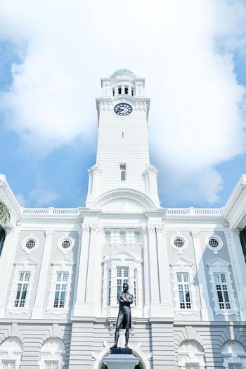 Singapore Victoria Cincert Hall. Singapore Travel Attraction Victoria Concert Hall Architecture Architecture_collection Stamford Raffles Statue White