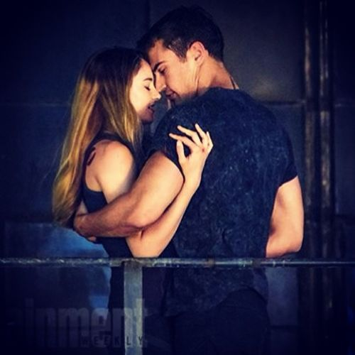 Shailene Woodley and Theo James Kiss Divergent Dauntless Tris tobias