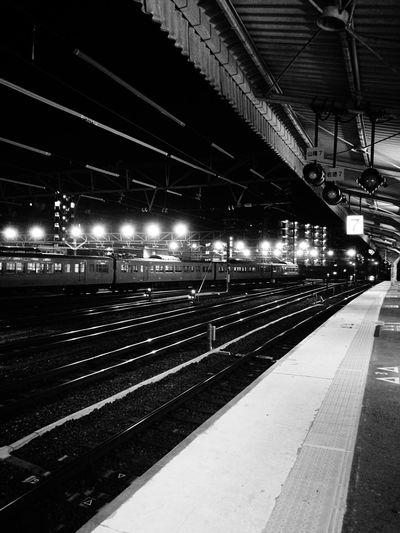 ヤレヤレだぜ。 Railroad Station Transportation Train Station Railroad Station Platform Rail Transportation Public Transportation