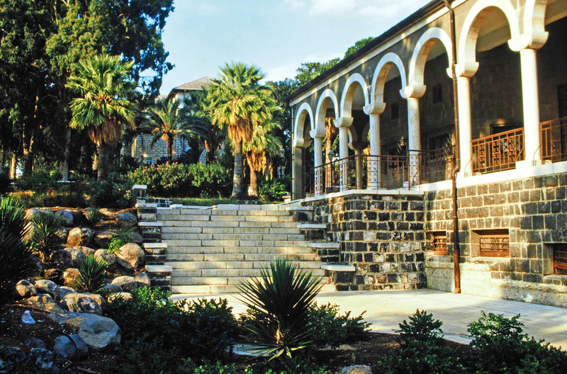 The gardens of the Church on the Mount of Beatitudes - Sea of Galilee, Israel Israel Holy Bible Palm Trees ❤❤ Sea Of Galilee Church Of The Beatitudes A Taste Of Israel Holy Place Of Worship Balestrads