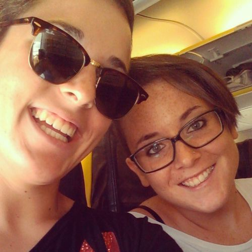 Alla conquista del mondo ;) Sisters Going On A Trip From BLQ Airport Bologna, Italy To Heathrow Airport London My First Trip Happy :) Smile Selfie On The Plane