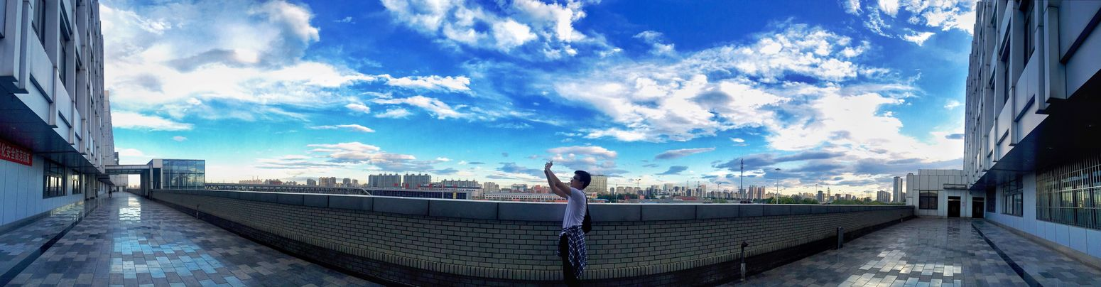 Cityscapes 蓝天 白云 仰视 渺小 对比 震撼 White Cloud The Blue Sky