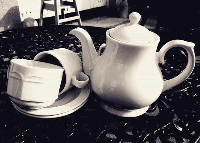 Sunday Tea :-) Sunday Tea Teadrinker Drink Coffee Teapot Mug SundayFunday Cafe Restaurant China Table Alfresco Sundaymorning Sundays Relax Lunch Eat Dine Afternoontea Afternoon Nationaltrust Theargory Northernireland Ireland blackandwhite mother armagh icuireland