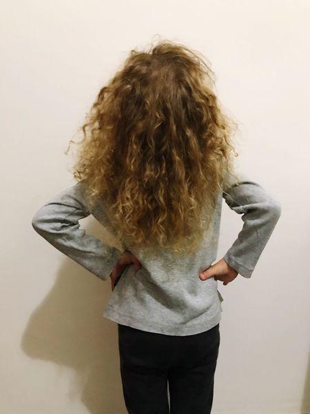 Golden curls #goldencurls #golden #baby #BabyLove #babygirl #children Photography #children One Person Indoors  Hairstyle Women Hair Real People