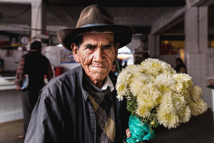Flowers Flower Collection Flowerlovers Passionpassport EyeEmNewHere Travel Photographer Travel Photography Around_the_world The Photojournalist - 2017 EyeEm Awards The Street Photographer - 2017 EyeEm Awards Streetportraiture StreetPortraits Fujifilm_xseries Documentaryphotography Bolivia Bolivian Culture Streetphotographers Streetphotography Urbanphotography Arts Culture And Entertainment Documentary Photography EyeEmStreetshots Streetphotographyintheworld Streetphotographer The Portraitist - 2017 EyeEm Awards Visual Feast BYOPaper! Live For The Story This Is Aging