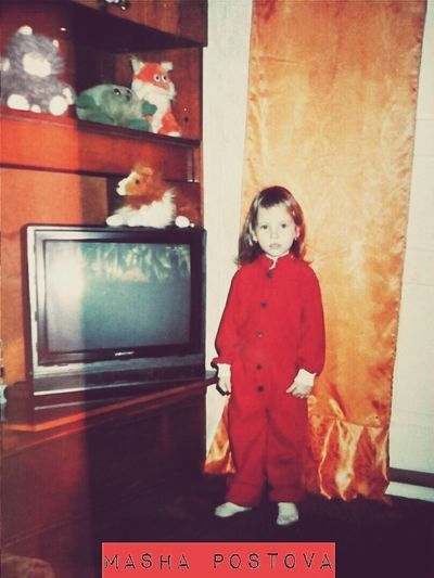 10 Years Ago? I am a Little Girl ?I Loved  Stuffed Animals ?Especially Cats ?Sometimes I Was a Bad Kid  ?and Sometimes Angel ? In 4 years I liked the color red and now too but not really it reminds me of the winter holidays ❄❄❄especially Christmas ⛄