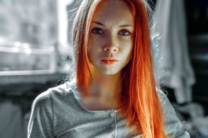 Portraite Beautiful Face Girl Light Red Orange Hair Life Lifestyle Lips Freckleface person Woman Great Room Color People Red Hair Young One Female Hazel Eyes  Iris - Eye Freckle Pink Hair