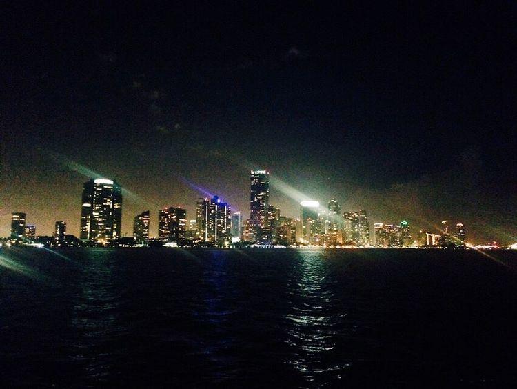 Maimi Night Bay