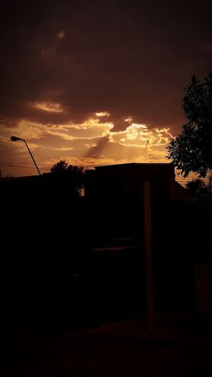 Iluminacion Sol Illuminated Illumination Cloud - Sky CaidaDelSol Nubes #clouds Nubes Sunset Silhouette No People Night Tranquility Outdoors Beauty In Nature
