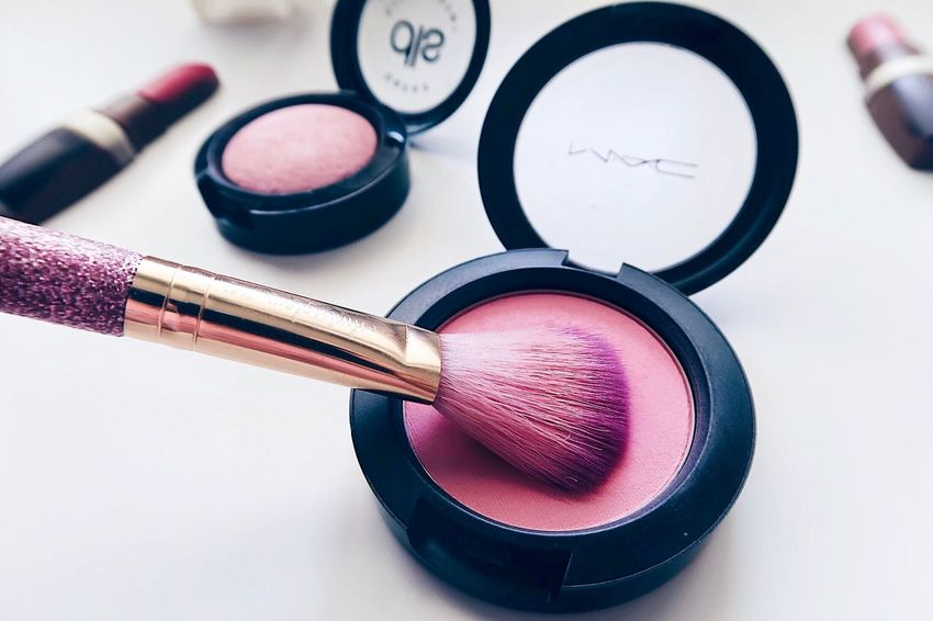 Highlighter Blush Brush Make Up Brushes Cosmetics Make-up Still Life Close-up Indoors  Beauty Product Pink Color No People