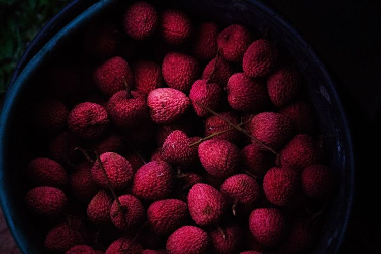 Freshness Fruit Lichia Litchi Healthy Eating Close-up Bowl Food No People Bucket Eat More Fruit Red Nature Outdoors Saquarema Rio De Janeiro Brazil Nature_collection Nature Photography Nature BYOPaper!