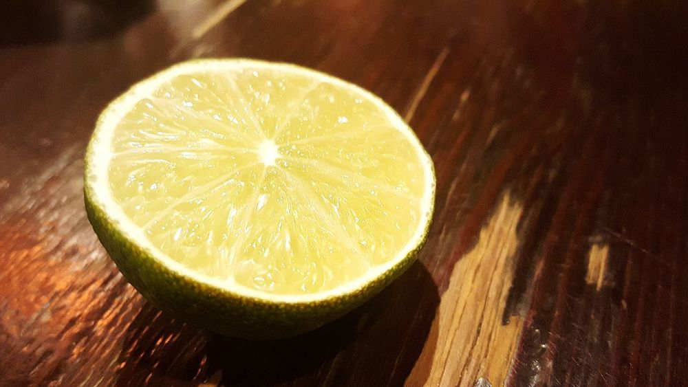 Lime Limette Limetten SLICE Citrus Fruit Fruit Cross Section Healthy Eating Food And Drink Lime Freshness Refreshment Vitamin C Indoors  Table Food No People