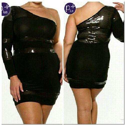 #PlusSize NikkiesKorner.com model wearing 1X