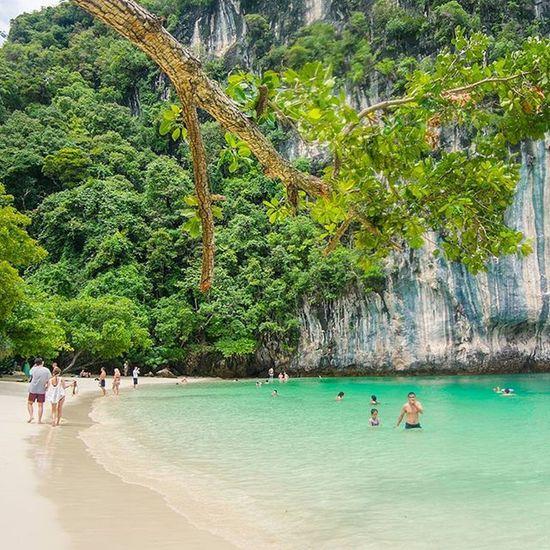 """"""" ห้อง """"แห่งหนนี้ งามนัก... . . . . . Fujifilm_xseries Fujifilm Xm1 Ig_thailandia Ig_captures Ig_worldclub Siamthai_ig Thaitraveling Thailand_allshots Insta_thailand Thailand Thailandluxe Loves_world Loves_united_thailand Loves_indochina Thai_captions Icu_thailand Seascapes Island Paradise Heaven Instatravel Instago Adayinthailand Summertime summer nature_perfection naturelover natureza walkwaywhy"""