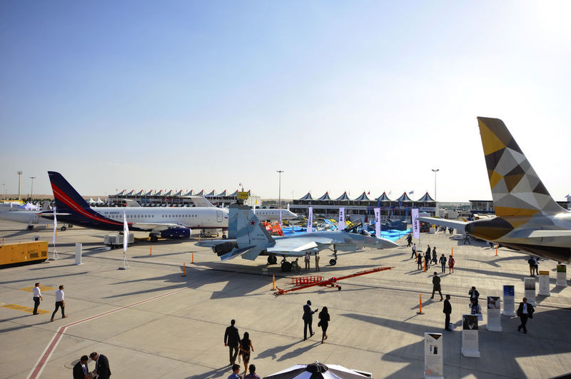 Dubai Airshow 2017 Air Draw Aviation Festival Dubai Dubai Airshow Dubai Airshow 2017 Global Event Rolls Royce Sky And Clouds UAE Air Vehicle Airplane Airport Airport Runway Arab Aviation Aviationlovers Aviationphotography Boeing Clear Sky Large Group Of People Lifestyles Outdoors Real People Runway Sky