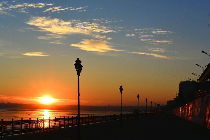 Sunset River Volga берег Саратов Saratov набережная новая набережная Sky солнце Sun Sunlight Lights