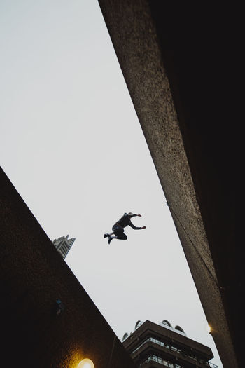Barbican Parkour EyeEm Architecture Architecture Brutalism EyeEm Best Shots Enjoying Life Check This Out Taking Photos Exploring Explore Building Exterior Sky Skyscraper Low Angle View Outdoors Mid-air Built Structure Building Clear Sky Day London Streetphotography City City Life 17.62°