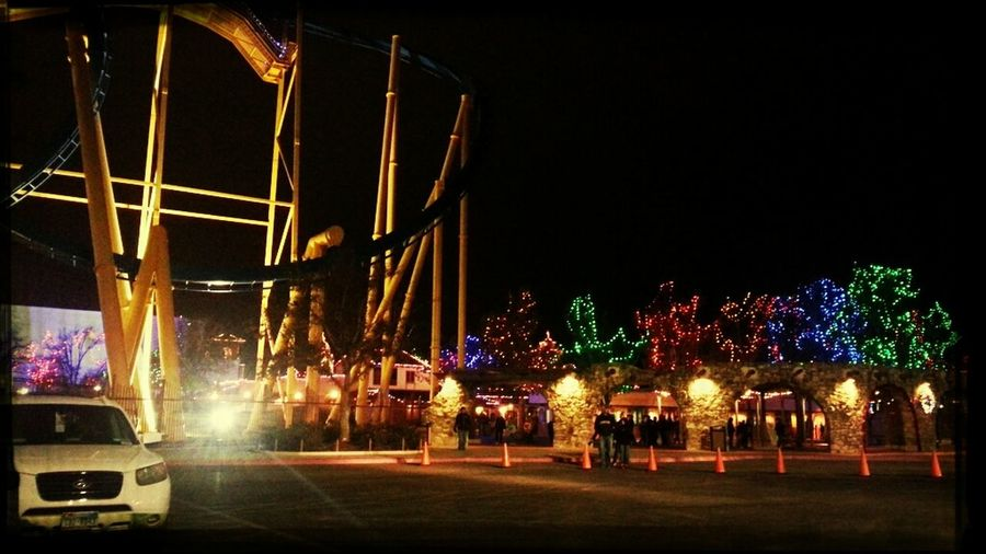 Six Flags is so beautiful during the holidays <3 I miss it :c
