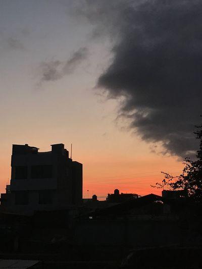 🌇 Skyscraper
