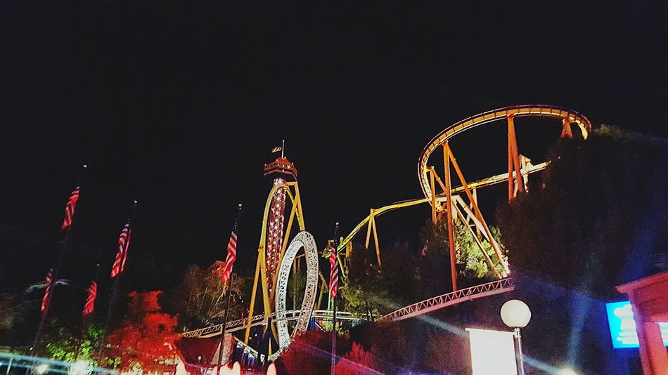 Q Hanging Out Hello World Taking Photos Southern California Beautiful Night Night Lights Rollercoaster Six Flags Magic Mountain
