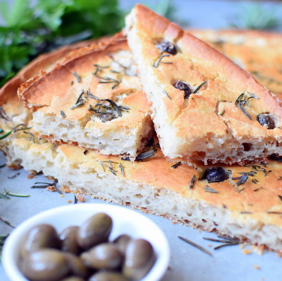 Cooking Eating Flatbread  Rosemary Baking Dairyfree Focaccia Food Food And Drink Foodblogger Foodphotography Glutenfree Healthy Eating Italian Nutrition Olives First Eyeem Photo