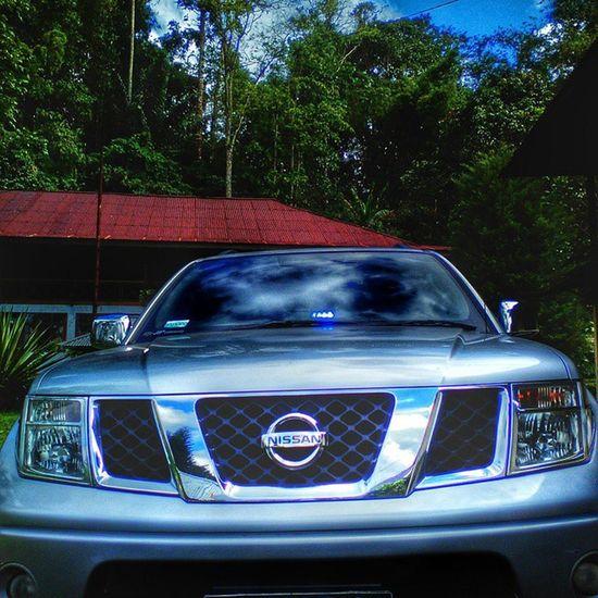 Navara Nissan Usarmy Tomohon