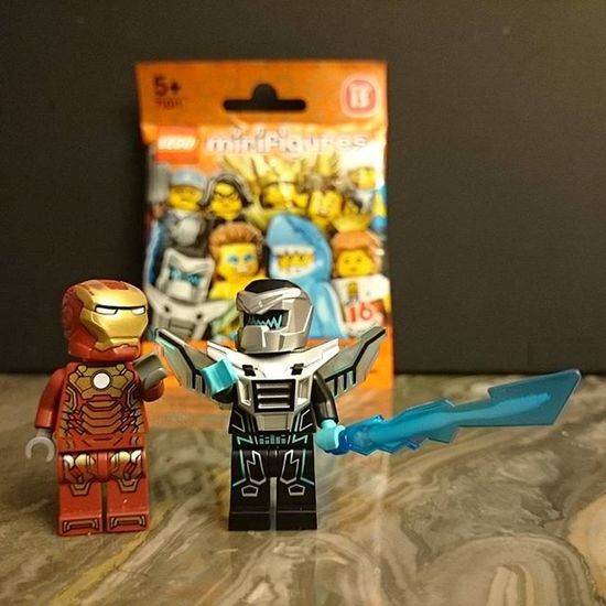 Yay , Highfive , I just came Home from the Purchases and ... Suprise ! A New Friend and Playmate for Jarvis and the Mechanic Tonystark aka Ironman is in the house. Time to Elecrohouse Party :) LEGO Minifigures Play Toys Afol