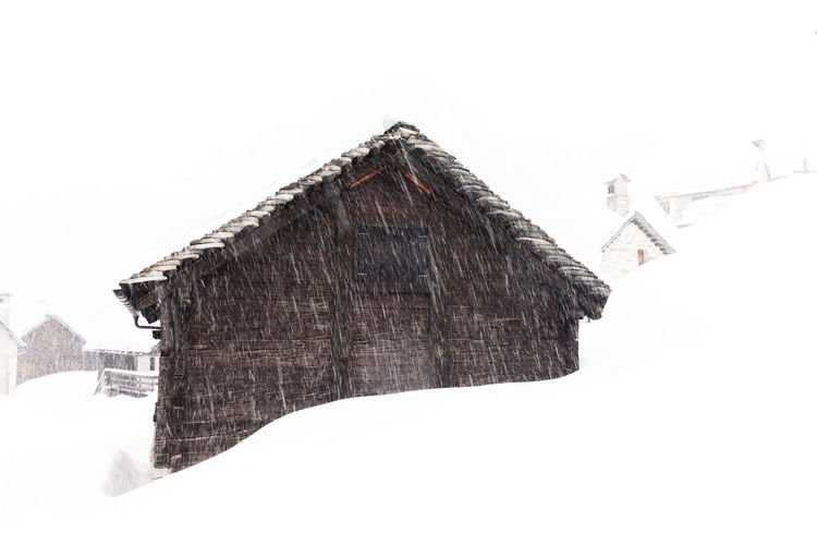 Beautiful chalet under snow Chalet Mountain View Nature Photography Landscape Mountain Nature_collection No People Snow Covered White Background