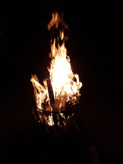 Fire Metal Industry Foundry Illuminated Flame Heat - Temperature Luminosity Burning Bonfire Campfire Glowing Fire Pit Fireball Inferno Hell Fire - Natural Phenomenon Firewood