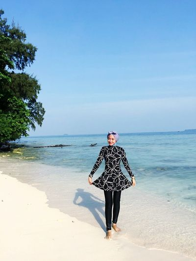 Beach Sea Full Length Mature Adult Walking Only Women Adults Only One Person Adult One Woman Only Sand Mature Women One Mature Woman Only Copy Space Horizon Over Water Day Sunny People Sky Clear Sky INDONESIA Vacations Enjoylife Summer Tourism