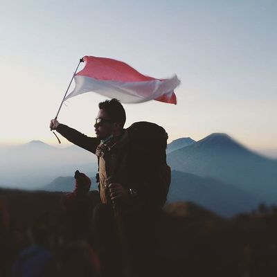 I'am Indonesia I proud of it!!! Mountain Prau Mdpl Sunrise Dieng Travel Hiking Trekking INDONESIA Hike Trip Paradise Leisure Adventure Highland Home Gunung Puncak