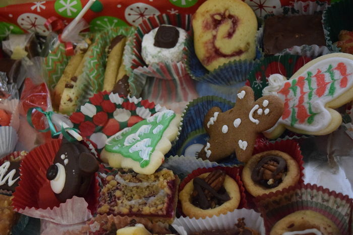 Baked Christmas Christmas Cookies Close-up Cookies COOKIES! Cookies🍪 Day Dessert Food Food And Drink Freshness Indoors  Indulgence JUNKFOOD No People Ready-to-eat Serving Size Sugar Sweet Food Sweet Pie Table Temptation Unhealthy Eating Variation