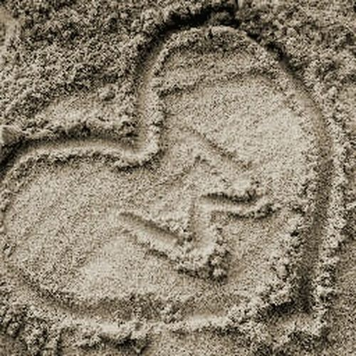 Sandwriting Heart ❤ -the feeling of carving your name in my Heart :)♥