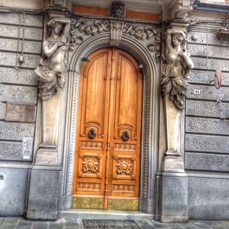 Mimarisini sevdiğim 😏 15092013 Italia Laspezia Italya Architecture Mimari Travel Summer Anıyakala Summertime Akdeniz