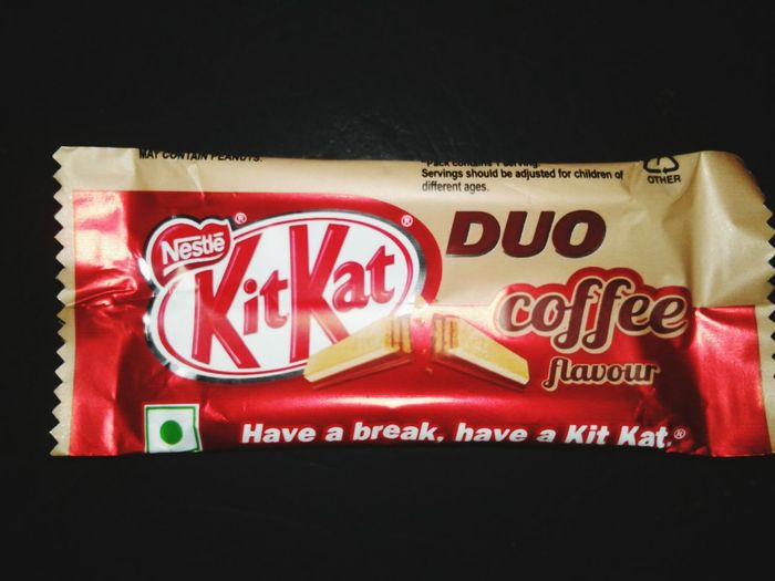 Kit kat due coffee, chocolate, coffee Text No People Close-up Fast Food Outdoors Day First Eyeem Photo