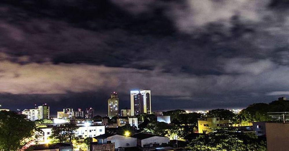 Fozeassim FozDoIguaçu Façafoz Great_captures_nature Great_captures_brasil Foz Naturelovers Nature Noitenoinstagram Hotelwydham Wydham Clouds Sky