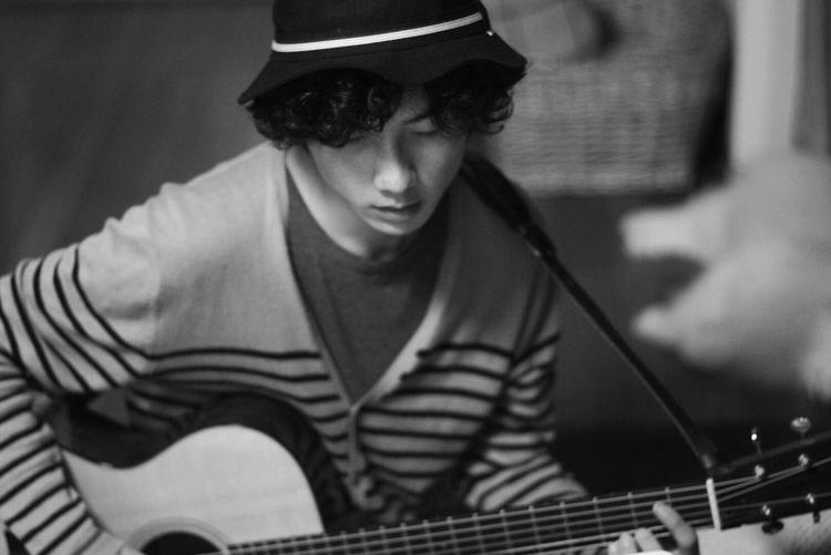 EyeEm Bnw オールドレンズ Black And White Monochrome Oldlens Guitar Time Guitar Love