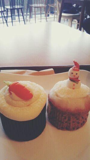 Do u want a build a snowman ?♞