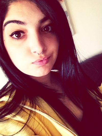Piercing Girl Make Up