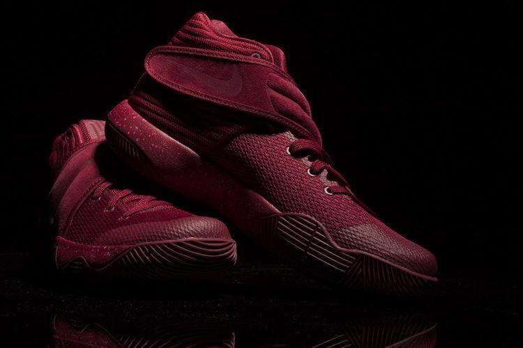 Dope Shoes Feet On Fleek Fleek Feet Model Feet On The Court Sport In The City Sporting Shoes Stylish Feet