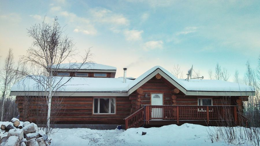 Home Is Where The Art Is Alaska Loghouse Winter Fairbanks Architecture