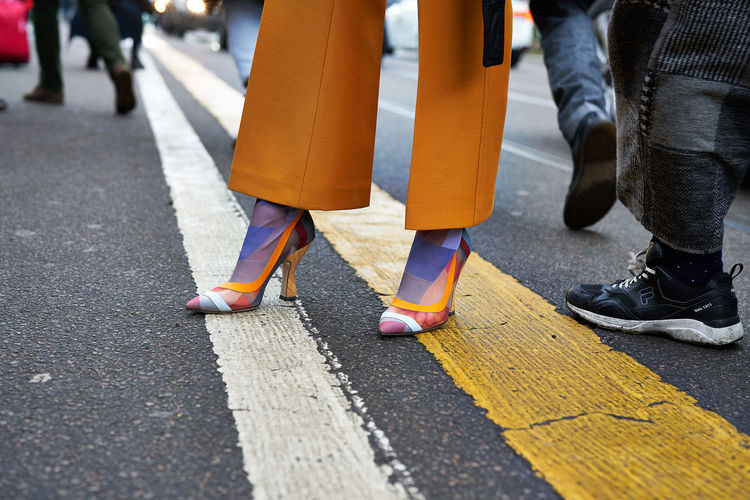Outside Fendi show. Milan Fashion Week February 2018 Fashion Fendi Fendi Show Lifestyles Mfw Milan Fashion Week Shoes Street Fashion Streetphotography