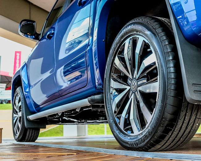 Blue Tire Wheel Close-up Pickup Volkswagen Amarok Mkt Campaigns Cars Carros Fotografo Branding Photography Agencia Digital