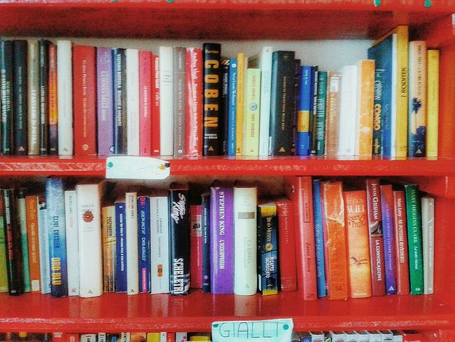 """Scaffale dei libri"". Scaffali Shelf Shelfie Bookshelf Libreria Books Libri  Libri Usati Everything In Its Place Mobile Photography S3mini Camerazoomfx HDR shooting mode / Edited"